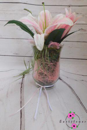 Liliengesteck mit Glas