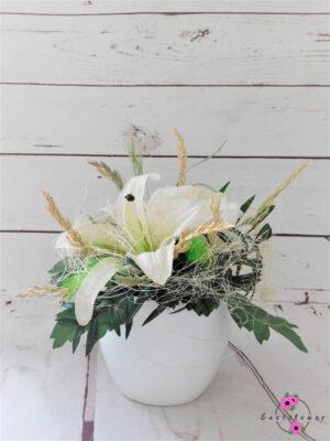 Topfgesteck mit weißer Lilie